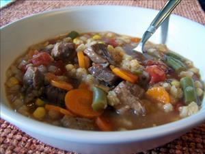 Slow Cooker Beef & Barley Soup